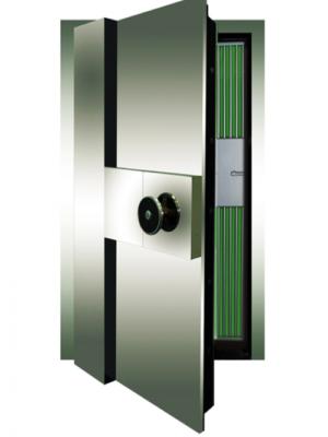 Cửa kho được làm bằng lớp vật liệu đặc biệt chống khoan, phá. Bản lề điều chỉnh được khe hở trên, dưới có tác dụng chống xệ cửa.
